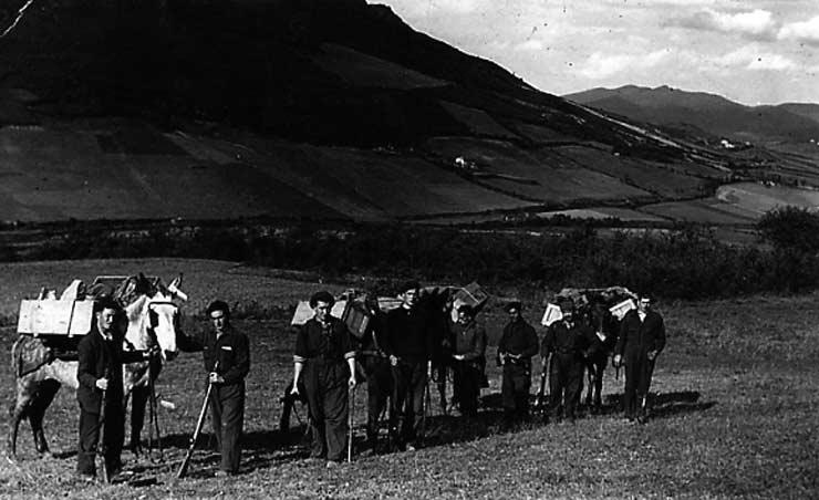 POL 0005 Intendencia del  Batallón Leandro Carro en Lekamaña año 1936.jpg
