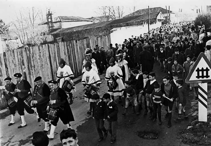 POL 0050 Desfile de autoridades.jpg