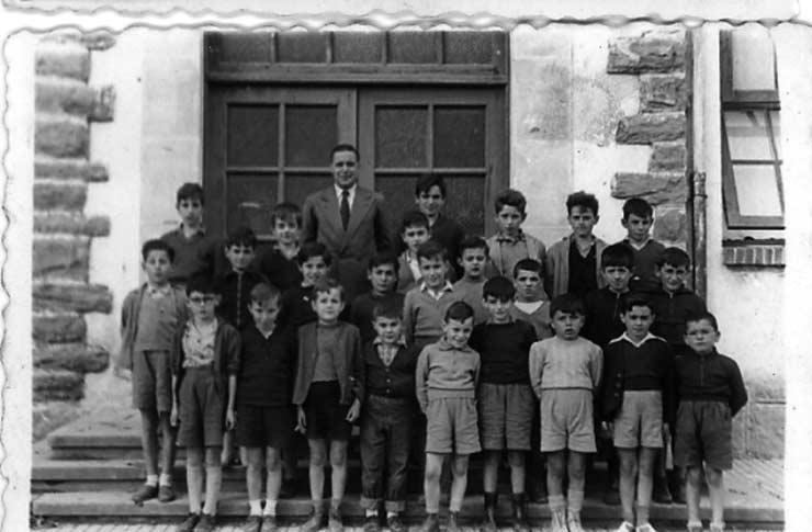 ESC 0024 Alvaro Garcia niños 1951.jpg