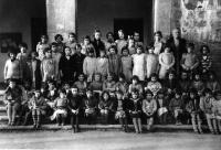 ESC 0012 Escuela de niñas en el ayuntamiento de Amurrio año 1929.jpg
