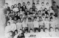 ESC 0002 Escuela Lucas Rey año 1910.jpg