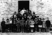 ESC 0040 Escuela de Izoria año 1962.jpg