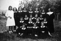 ESC 0035 Colegio de las Terciarias Capuchinas año 1942.jpg