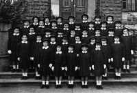 ESC 0059 Colegio de la Virgen Niña año 1958 o 59 (1).jpg