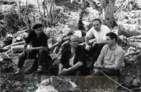 DEP 0254 En el monte (1960).jpg